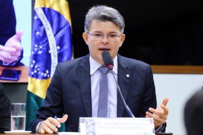 Medeiros apoia Bolsonaro e atribui críticas à oposição