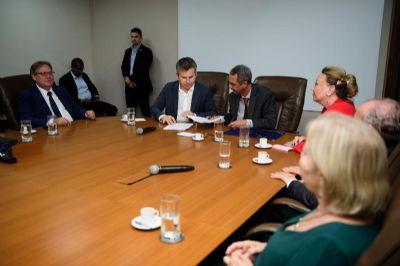 Governo e TJ firmam parceria para evitar judicialização e melhorar serviços