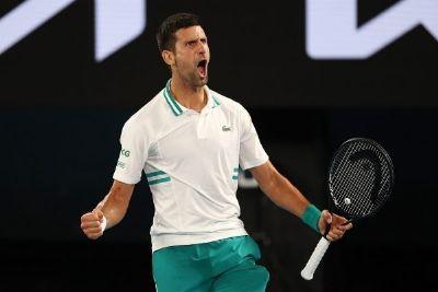 Djokovic elimina surpresa russa e vai à decisão do Aberto da Austrália