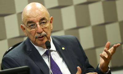 Com Covid-19, ex-ministro Osmar Terra é internado e fica em observação