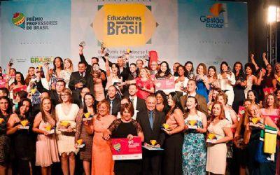 Professora de Cuiabá vence fase regional do 12º Prêmio Professores do Brasil