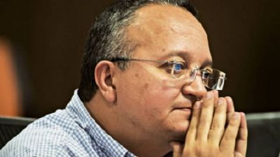TRE reprova contas de Taques por deixar dívida de R$ 2,2 milhões