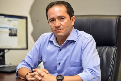 Justiça marca audiência com Permínio por atrapalhar investigação na Seduc