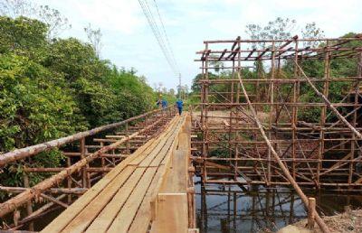 Governo dá início à construção da ponte de concreto sobre o Rio Bandeira