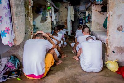 Estudo revela precariedade em presídios e agressões contra detentos