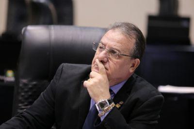 Frustrado, deputado diz que reorganização da Mesa Diretora é 'enganar trouxa'