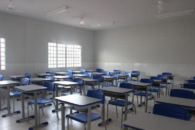 Governo assina convênios para pacote de obras em escolas, aquisição de micro-ônibus e equipamentos