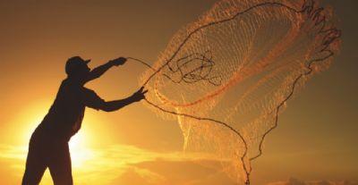 Pesca: Agricultura cancela 300 licenças de pescadores em sete Estados