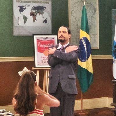Lúcio Mauro Filho se emociona ao reviver personagem do pai