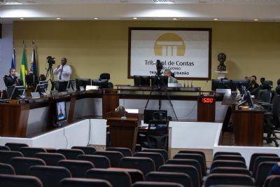 Conselheira aponta 'desleixo' na saúde, mas vota pela aprovação das contas de Pinheiro