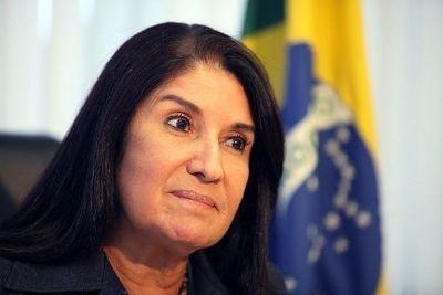 Prefeito denuncia Thelma de Oliveira por uso ilegal da conta do município