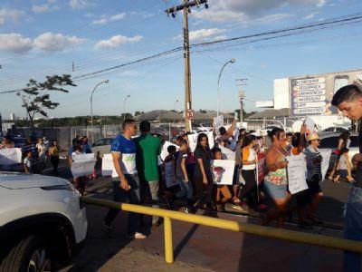 Moradores protestam por segurança e acessibilidade na avenida da Feb em VG; trânsito é lento