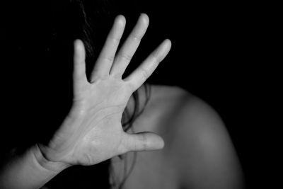 Empresas de MT poderão ter incentivos ao contratar vítimas de violência doméstica