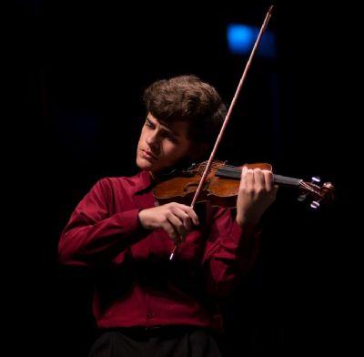 UFMT em Cordas apresenta espetáculo com premiado violinista de apenas 13 anos