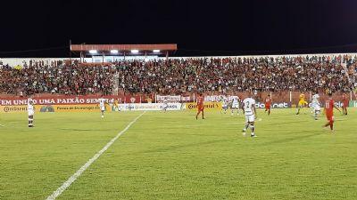 União perde em casa e está fora da Copa do Brasil