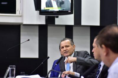 Silval: 'Mensalinho não parou até hoje, só formataram como lei e não precisa prestar conta'; acompanhe