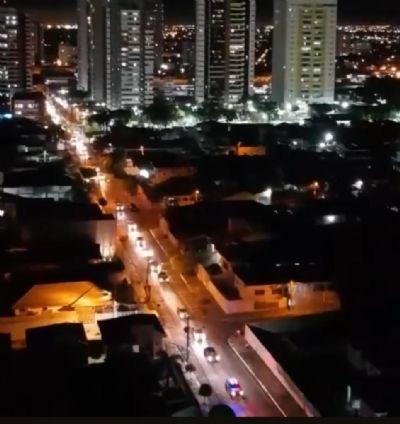 Empresários fazem carreata para cobrar reabertura do comércio em Cuiabá; VEJA VÍDEO