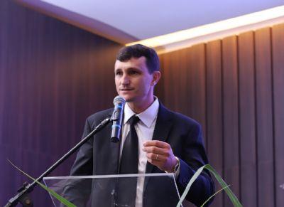 Itamar Canossa é reeleito presidente da Acrismat