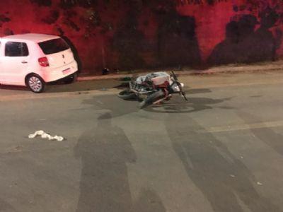 Entregador morre na Avenida das Torres após ser atingido por carro na contramão