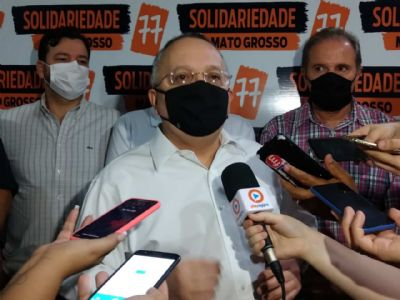 Irônico, Taques se lança ao Senado com discurso em defesa ao servidor