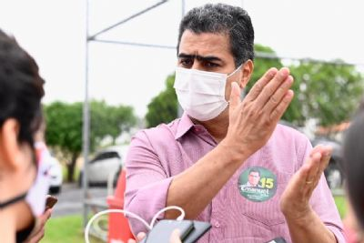 Emanuel tenta abafar escândalos de corrupção e não explica afastamento de secretários