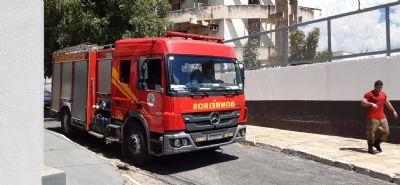 Incêndio atinge residência no Goiabeiras; VEJA FOTOS E VÍDEO