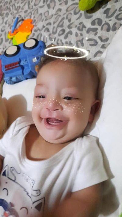 Família corre contra o tempo para salvar bebê com problema grave no coração