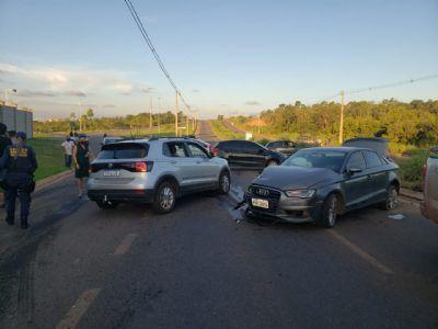 Duas pessoas são levadas para hospital após acidente de trânsito em VG