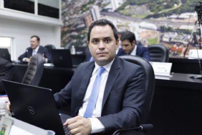 Vereador critica base e diz que projetos da oposição sofrem retaliação na Câmara