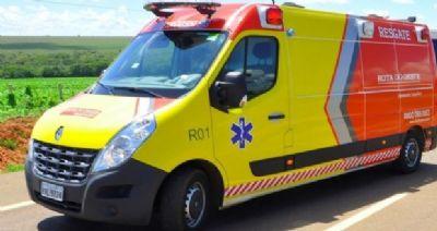 Colisão entre três veículos deixa duas pessoas feridas