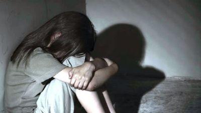 Criança é abusada pelos próprios pais e por vizinhos; seis pessoas foram presas