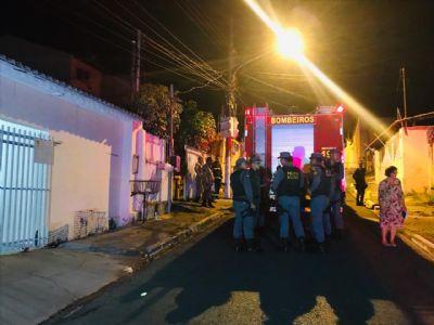 Homem morre carbonizado durante incêndio dentro de kitnet em Cuiabá