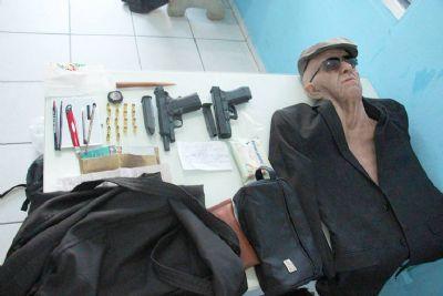 Com máscara de idoso, homem tenta assaltar banco em Santa Catarina