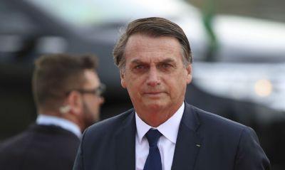 Celso de Mello arquiva pedido contra Bolsonaro por falsidade ideológica