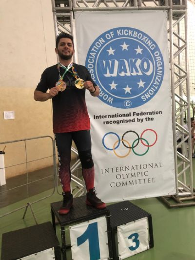 Atleta cuiabano conquista ouro e bronze na Copa Brasil de Kickboxing