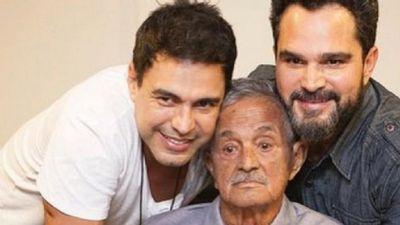 Zezé Di Camargo agradece apoio dos fãs após pai passar por cirurgia