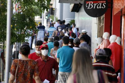 Decreto: população não pode circular no fim de semana e em feriados sem 'motivo justificável'