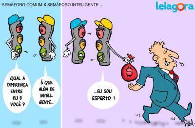 Semáforo Comum x Semáforo Inteligente