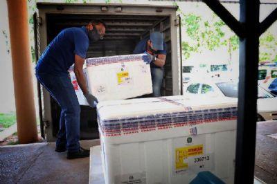 MT recebe mais 11 mil doses da Coronavac nesta segunda para profissionais de saúde
