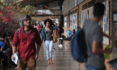 Cresce total de negros em universidades, mas acesso é desigual