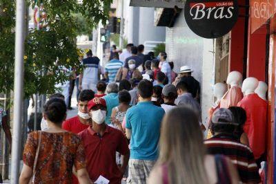 Em Cuiabá, comércio reabre sem horário limitado de funcionamento; prefeito estuda novas restrições