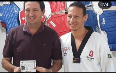 Barranco é homenageado pela equipe da 6ª Copa Pantanal de TaeKwondo