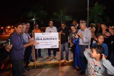Prefeitura entrega praça à comunidade da região da Vila Aurora