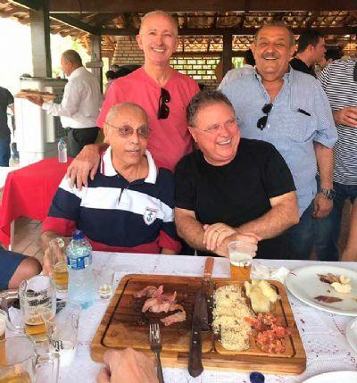 Churrasco reúne Maggi, Campos, Cidinho, Osvaldo Sobrinho e outros