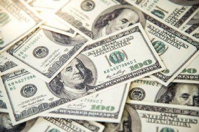 Entrada de dólares supera saída em US$ 1,309 bi até dia 8 de janeiro