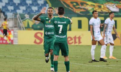 Cuiabá goleia Guarani por 4 a 0 na Série B