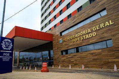 PGE pede investigação criminal contra 'fake news' de que Governo fecharia 300 escolas
