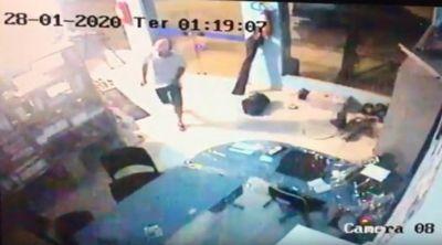 Velho conhecido da polícia volta a praticar furtos em Água Boa
