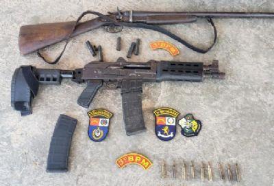 Policiais militares apreendem fuzil 5,56 em região de chácaras