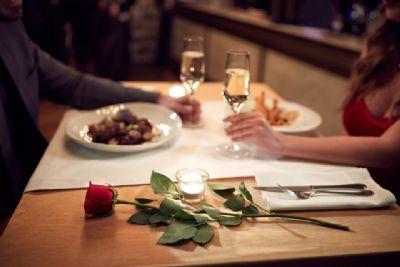 Setor de bares e restaurantes estão otimistas com Dia dos Namorados e fazem promoções